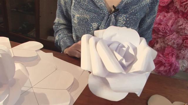 Как делать большие бумажные цветы своими руками