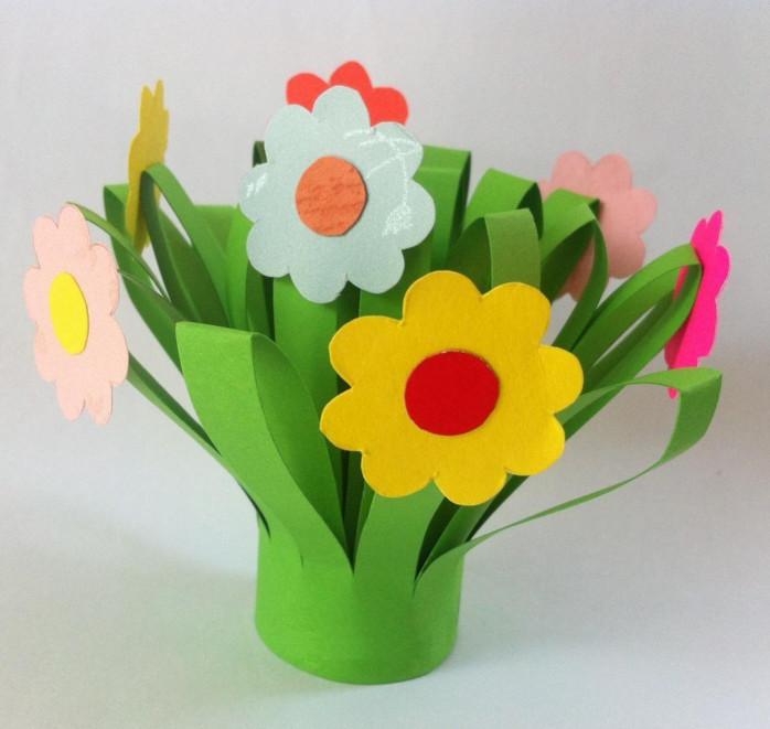 Бумажные цветы с ребенком