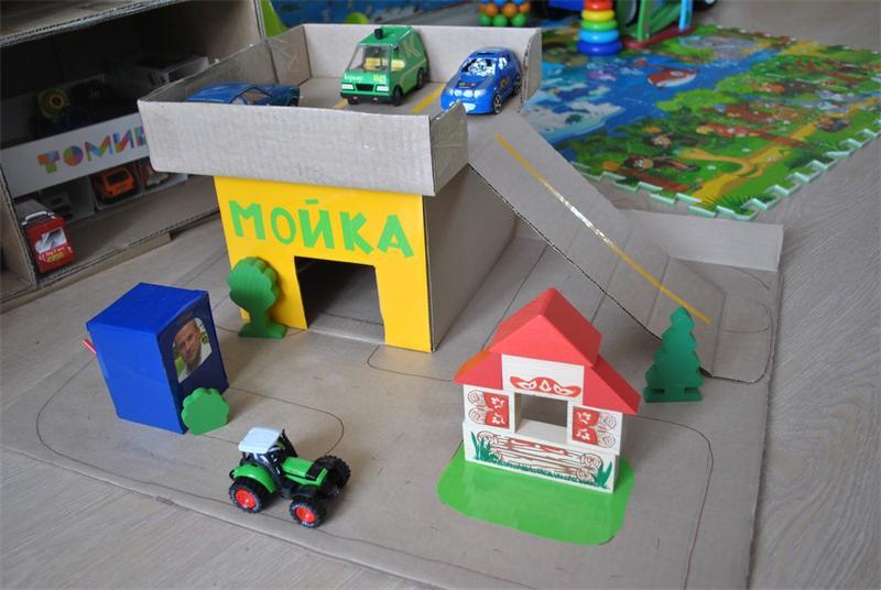 Игрушечный гараж для машинок своими руками из фанеры